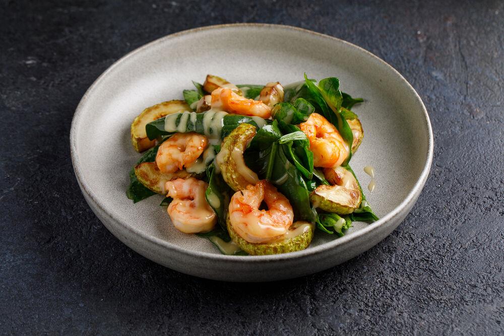 Zucchini and shrimps salad
