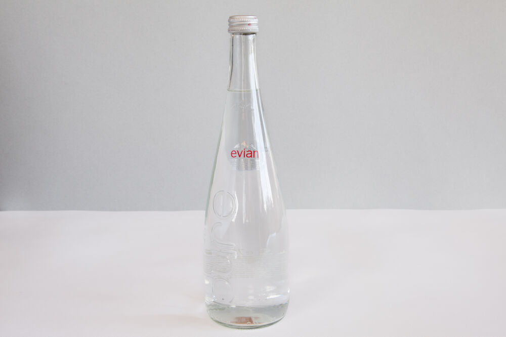 Evian still 750 ml
