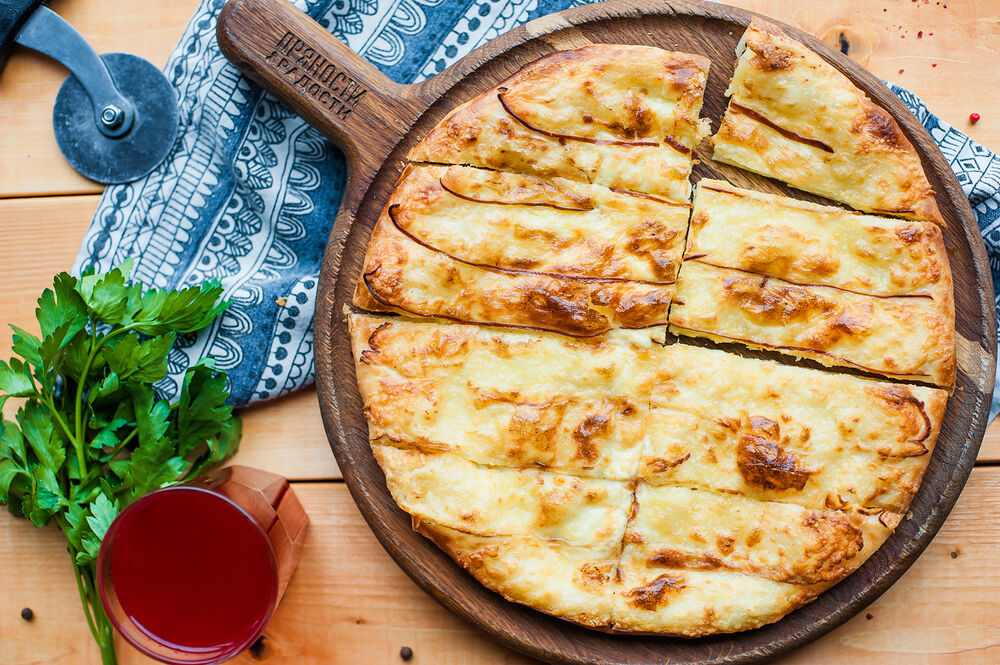 Khachapuri with smoked Suluguni