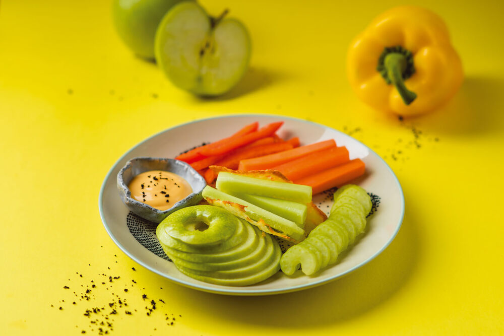 DM vegetable sticks with sour cream