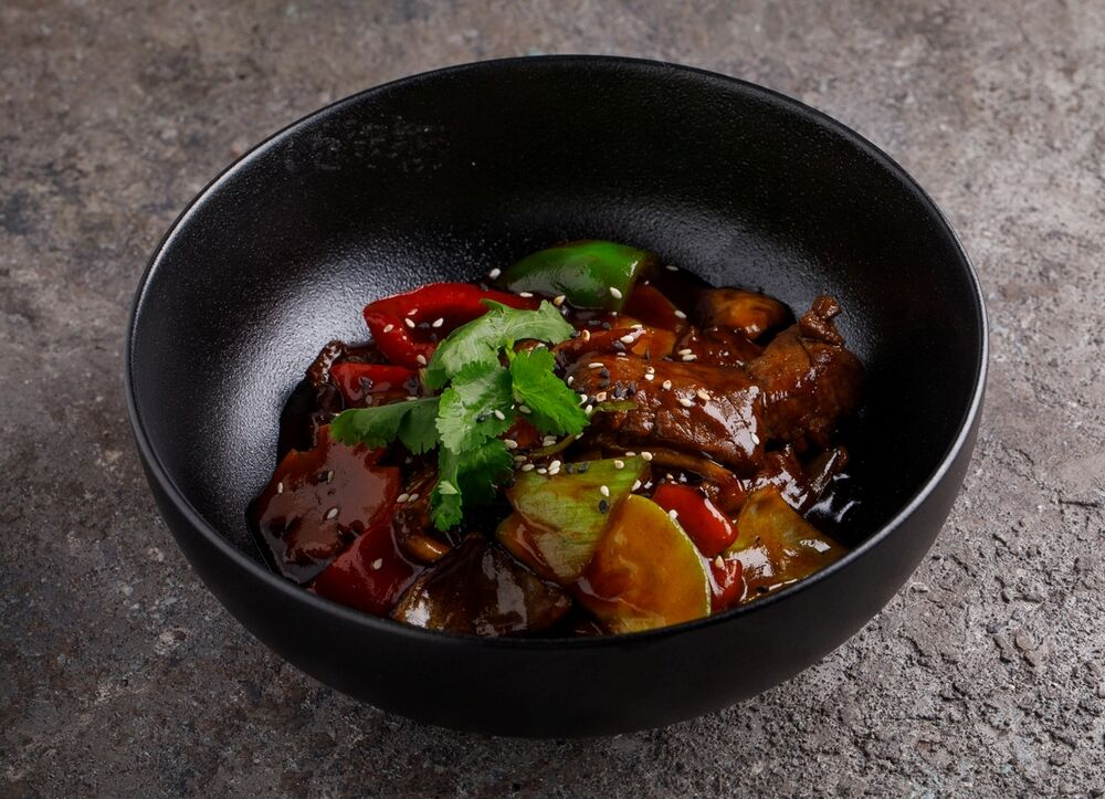 WOK beef with vegetables and mushrooms