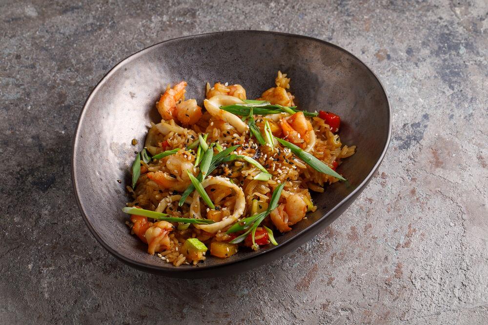 Jasmine rice with seafood