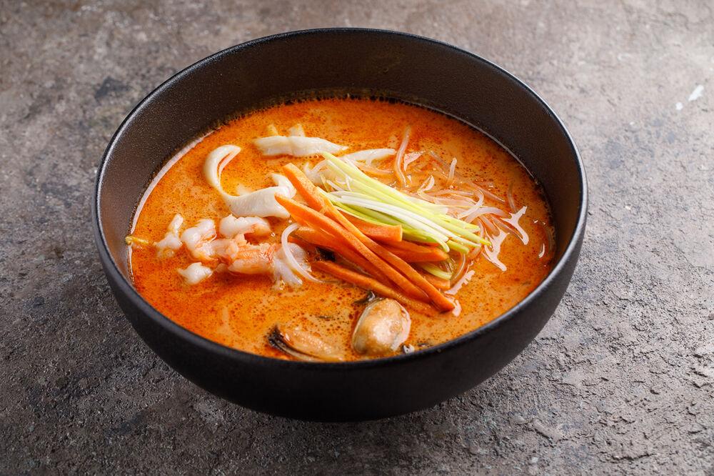 Tom Yаm Po Tack (with seafood)