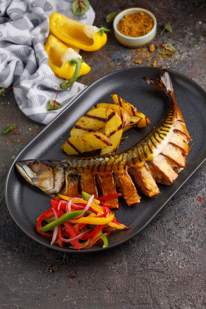 Hot smoked mackerel with vegetables