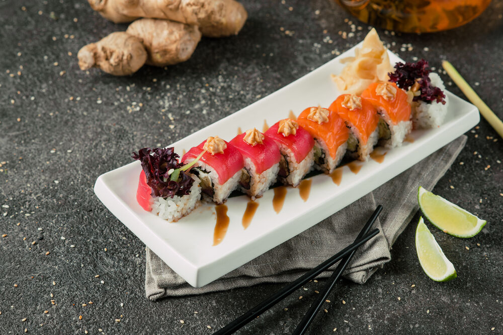 Creamy roll with salmon and eel