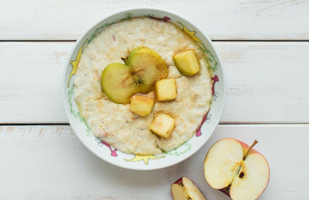 Oatmeal (on milk (to choose from) or on water)