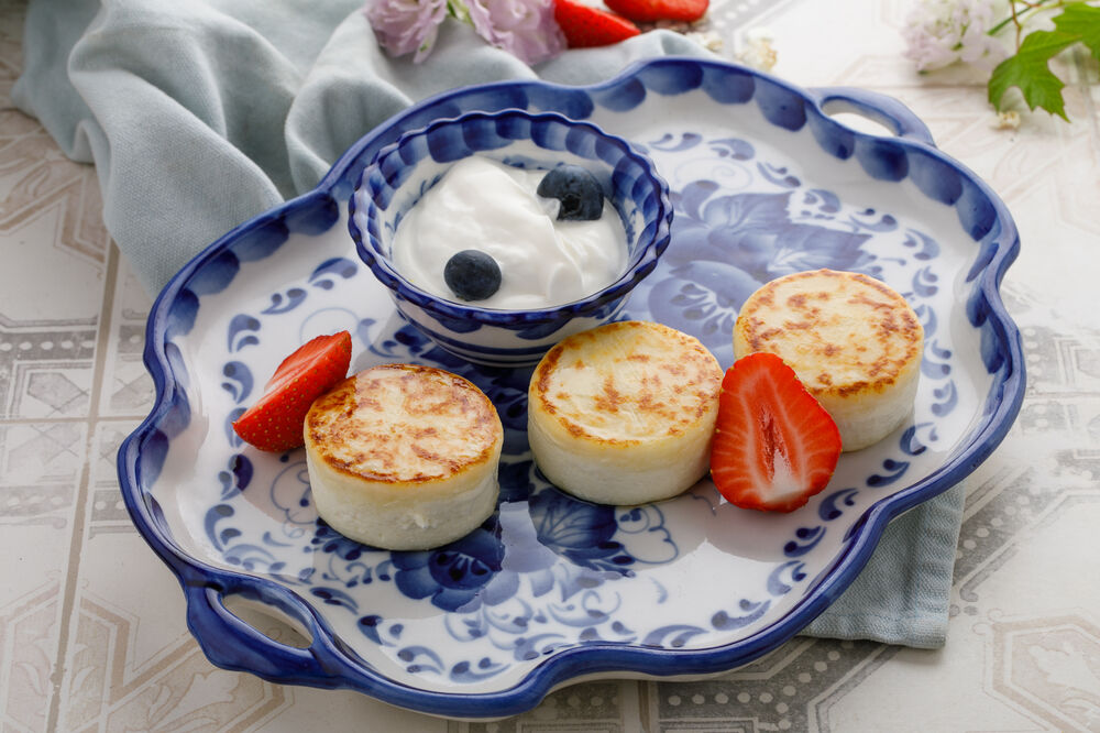Breakfast cheesecakes with sour cream