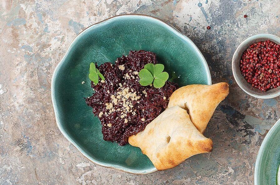Beet caviar