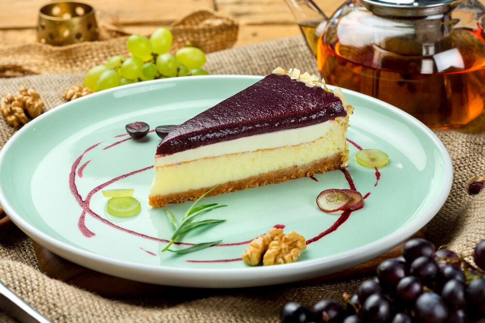 Cheese dessert with pelamushi