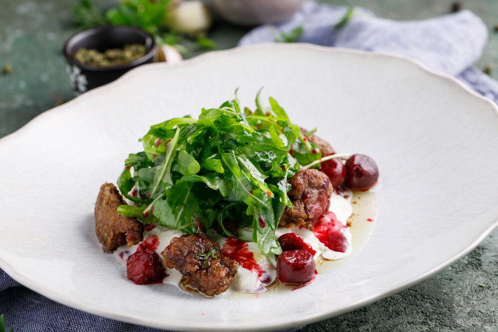 Chiicken liver. cherry and stracciatella salad