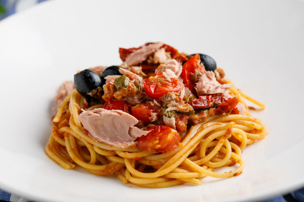 Sicilian style spaghetti with tuna and black olives