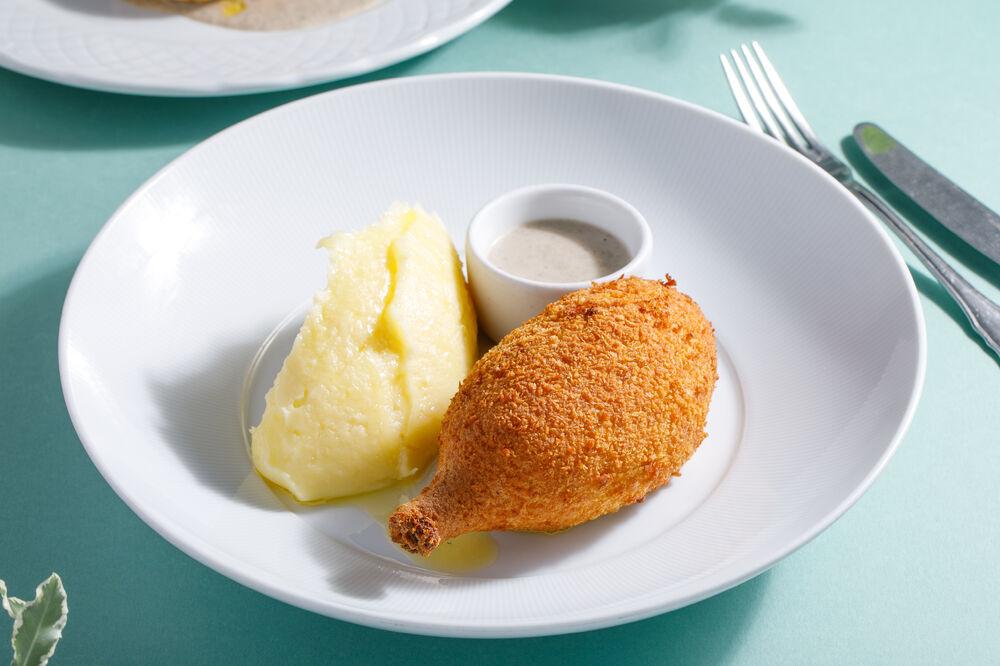 Chiken kiev with basil puree