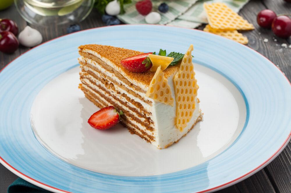 Homemade honeycake