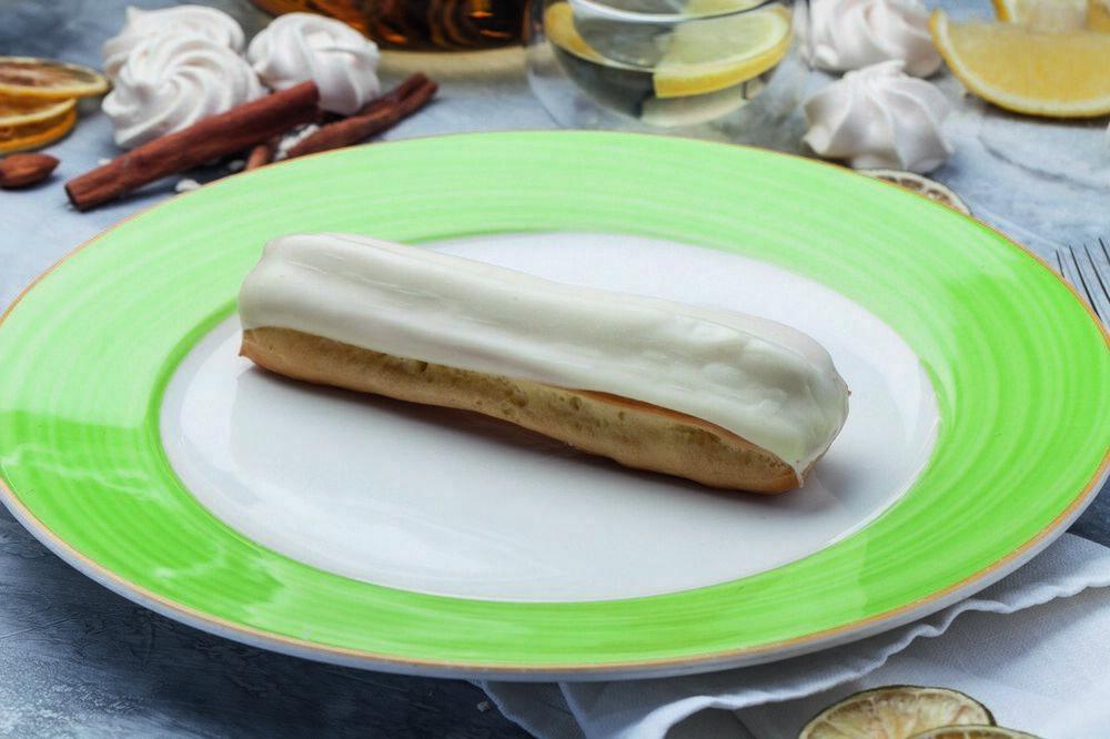 Vanilla eclair 1 piece