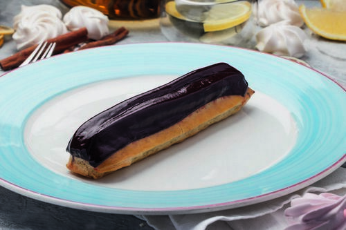 Chocolate eclair 1 piece