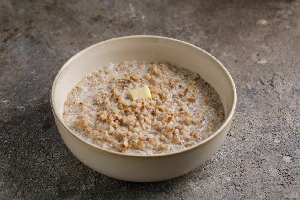 Bucwheat porridge with butter