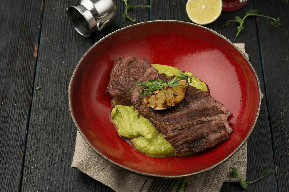 Brazilian steak with guacomole