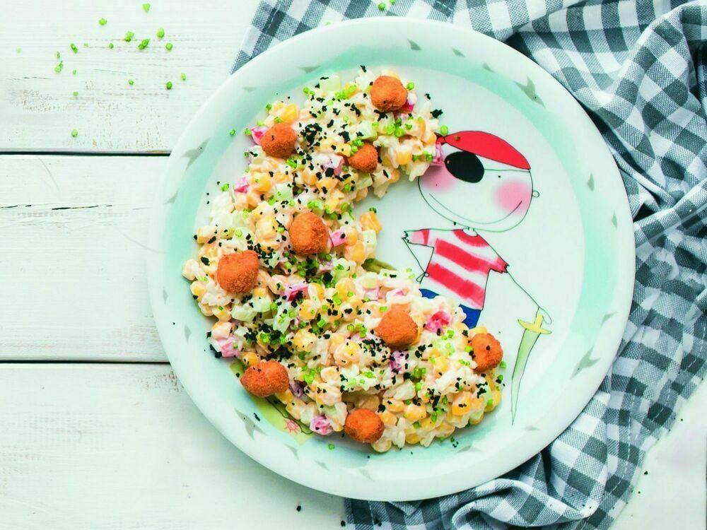 Corn salad with crispy fish