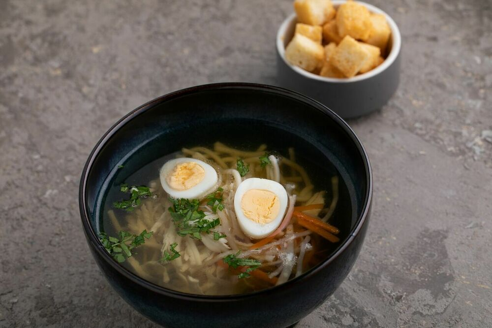 Chicken soup with vermicelli