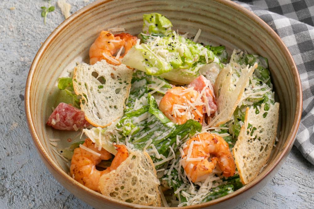 Caesar salad with chiken