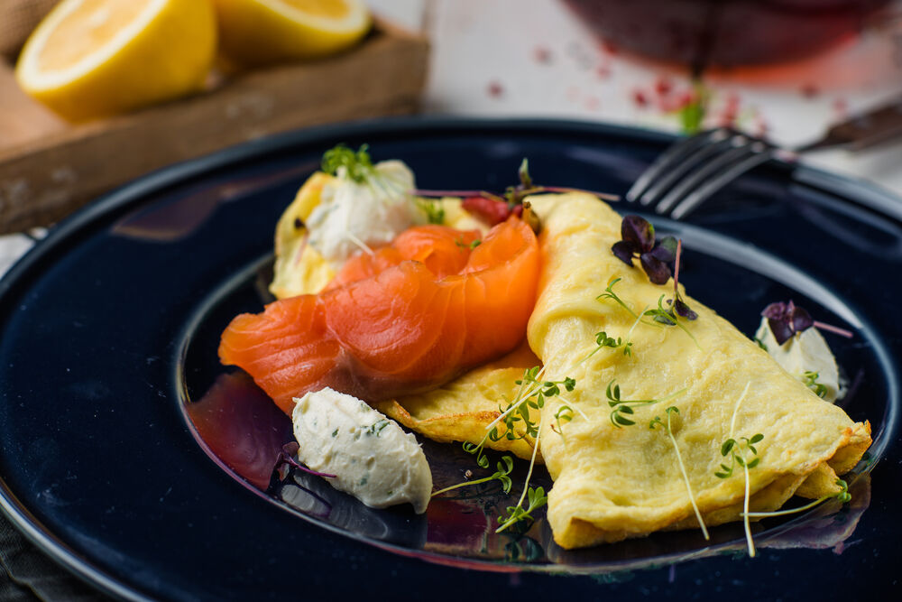Omelette with salmon and cheese cream