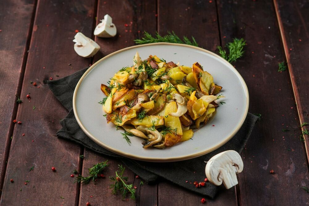 Roasted potatoes with seasonal mashrooms