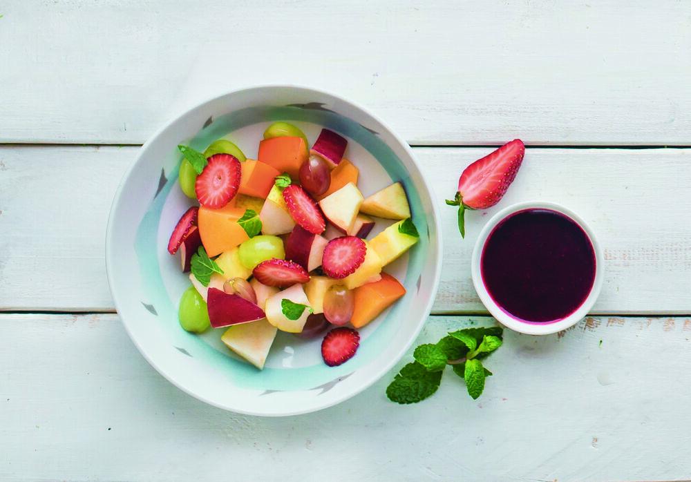 Fruit salad with berry sauce