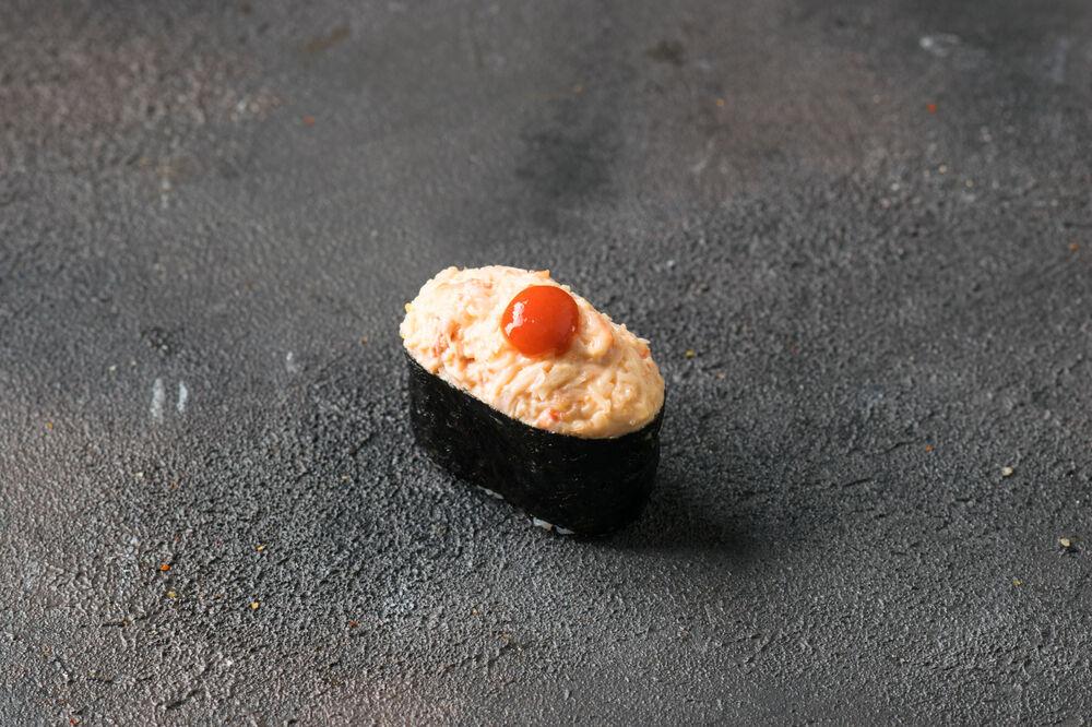 Crab spicy sushi
