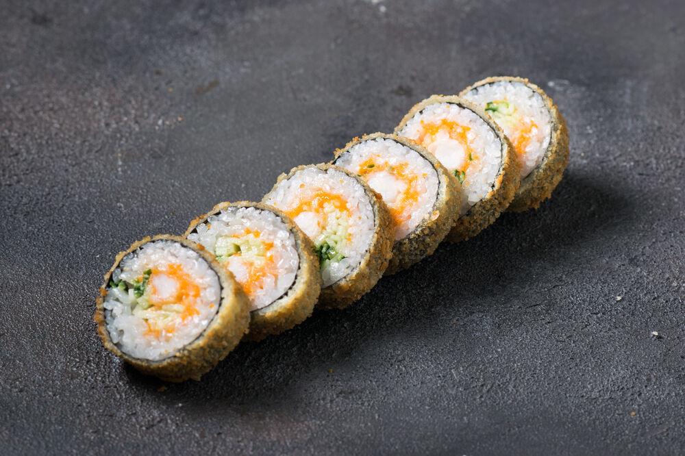 Roll with salmon in tempura