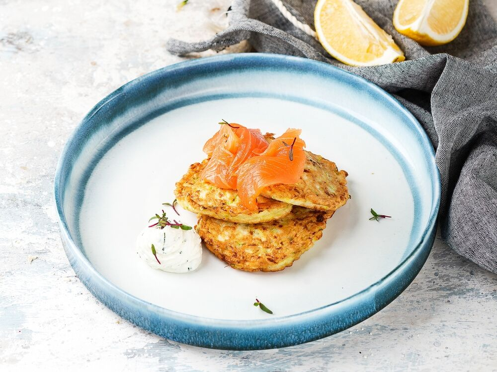 Fritters from courgettes with salmon