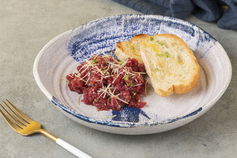 Tartar with beef