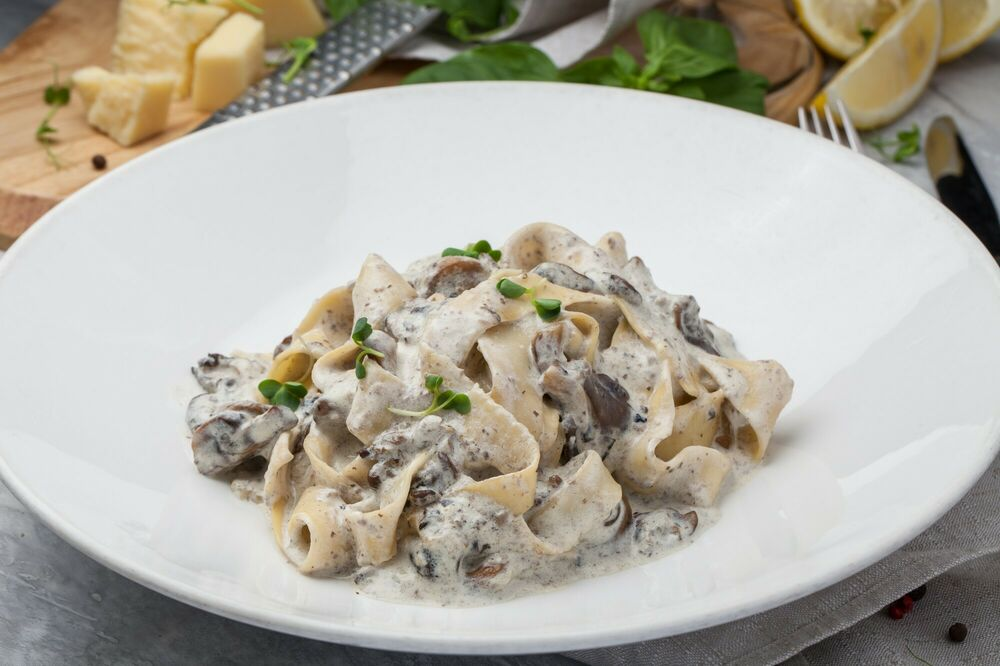 Pasta with porcini mushrooms