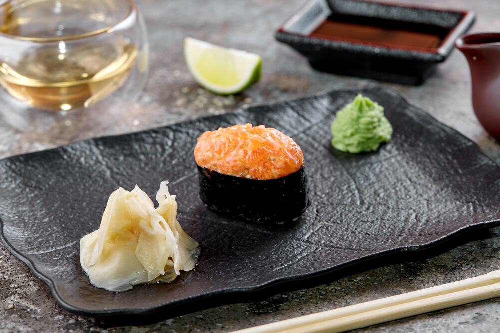 Spicy sushi salmon