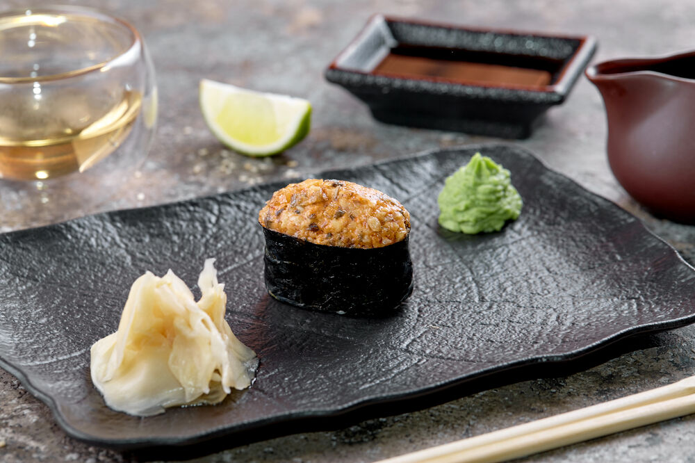 Spicy eel sushi