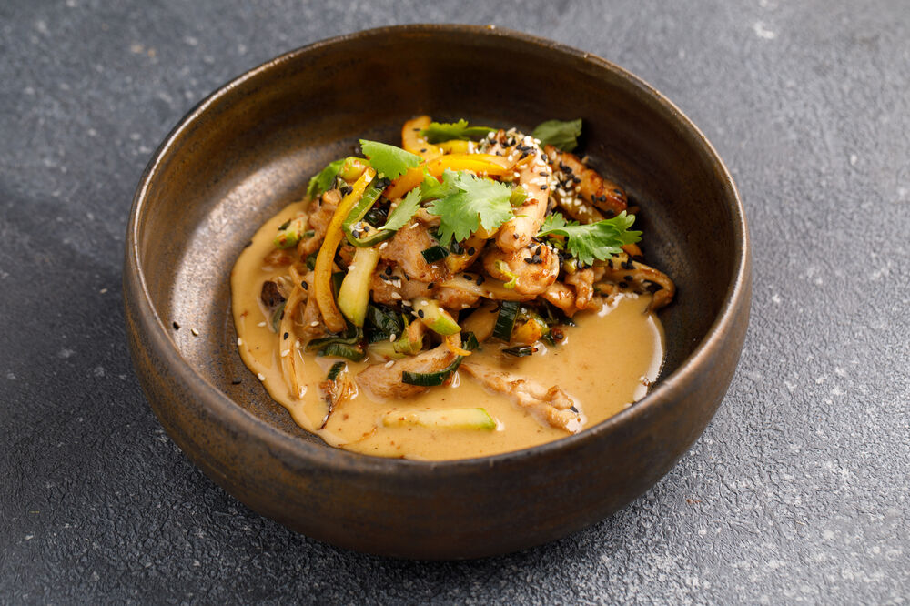 Wok with pork and vegetables