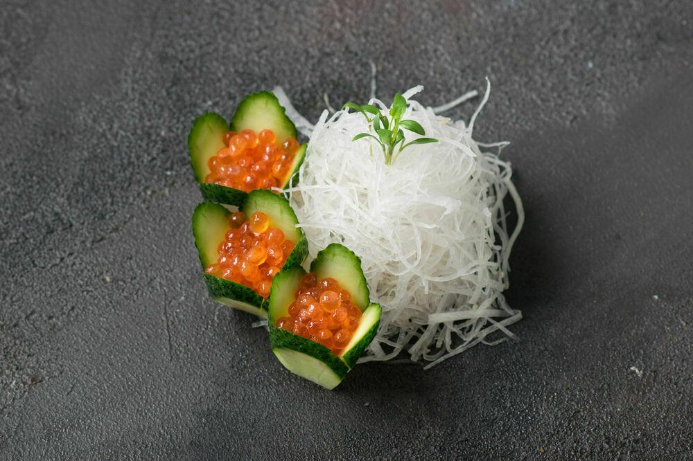 Sashimi red caviar