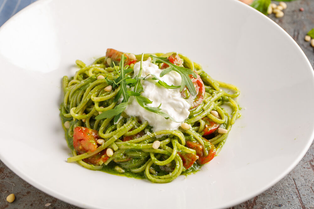 Linguine  with pesto  and stracciatella