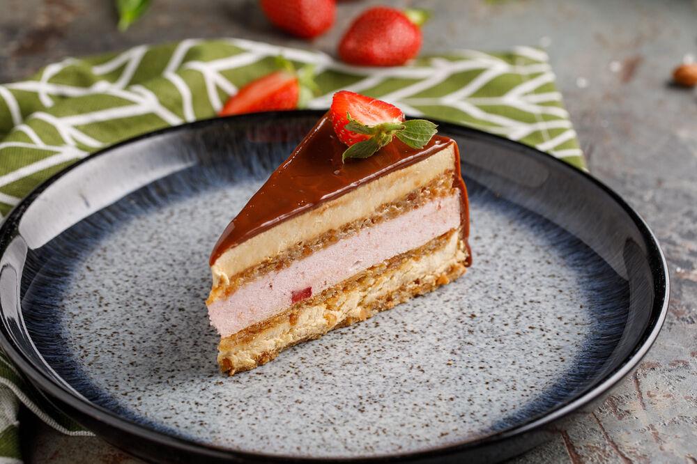 Gluten-free creme brulee cak