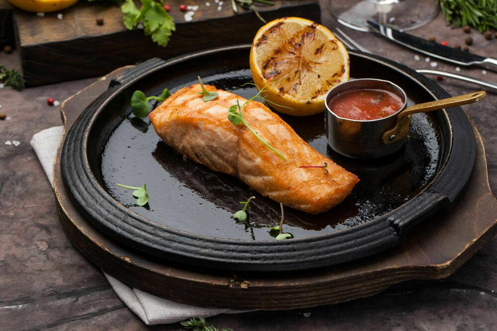 Salmon steak (160 g)