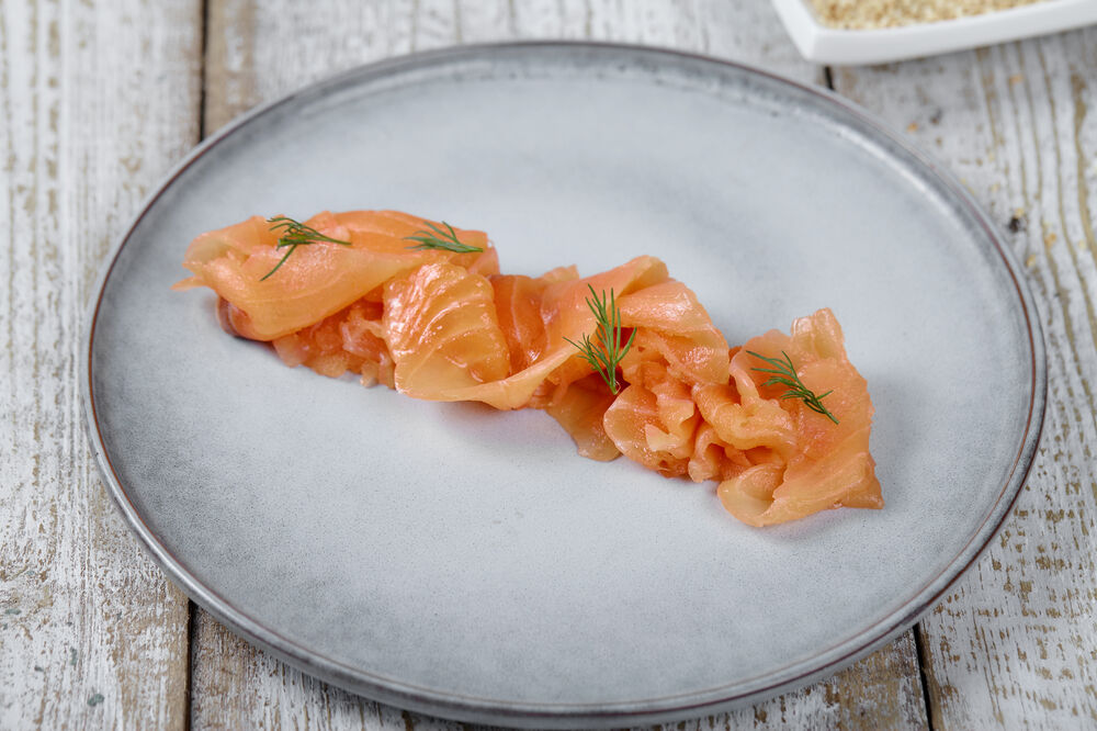 Topping salmon