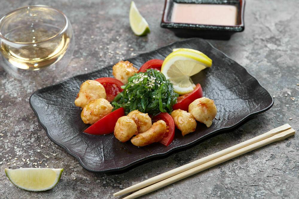 Kaiso salad with tempura shrimp