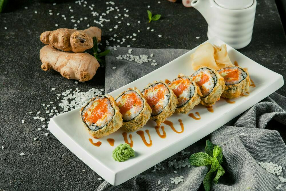 Tempura roll with salmon
