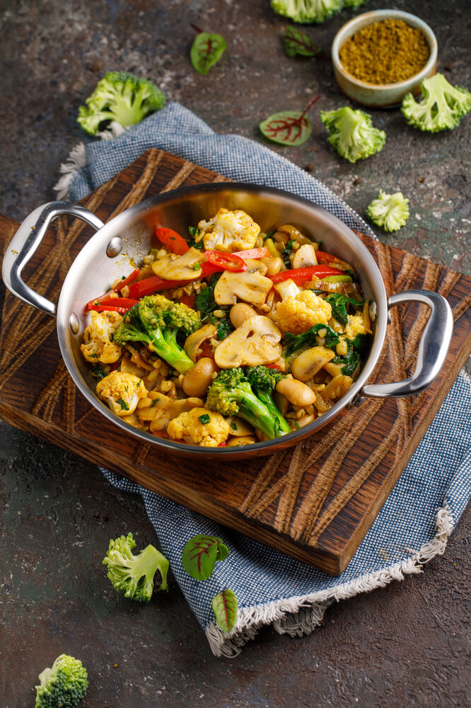 Spicy vegetables with mushrooms