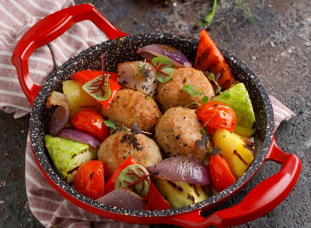 Turkey cutlets with vegetables