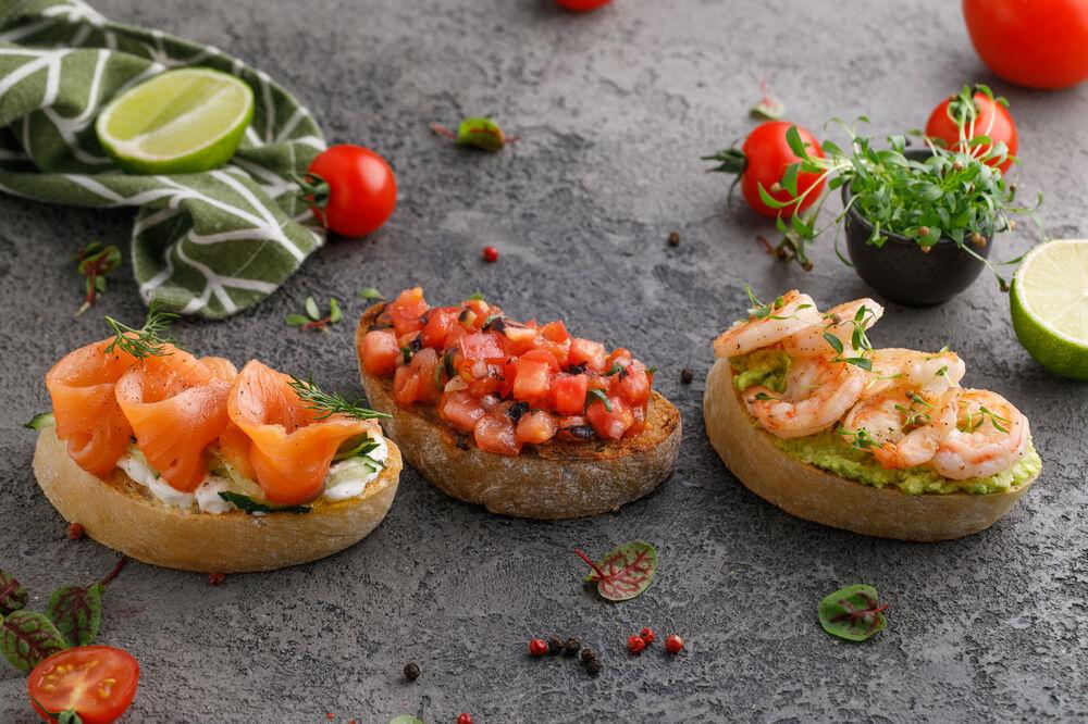 Bruschetta with salmon