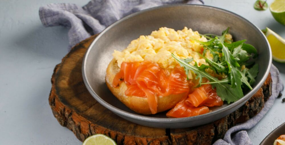 Scramble with light-salted salmon and cream cheese, on wheat ciabatta