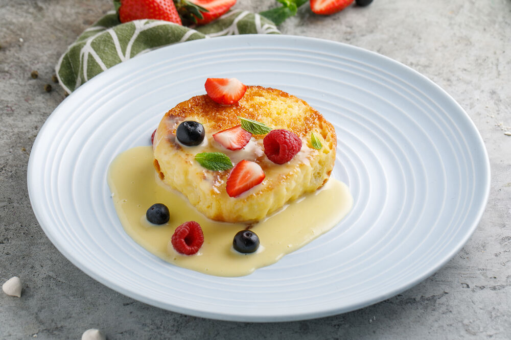 Brioche with anglaise sauce