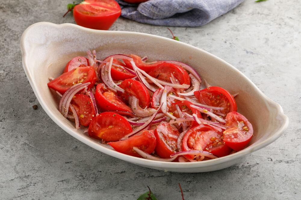 Baku tomatoes with Crimean onion