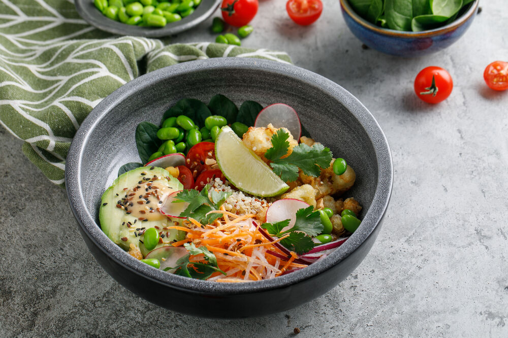 Vegetable bowl with quinoa