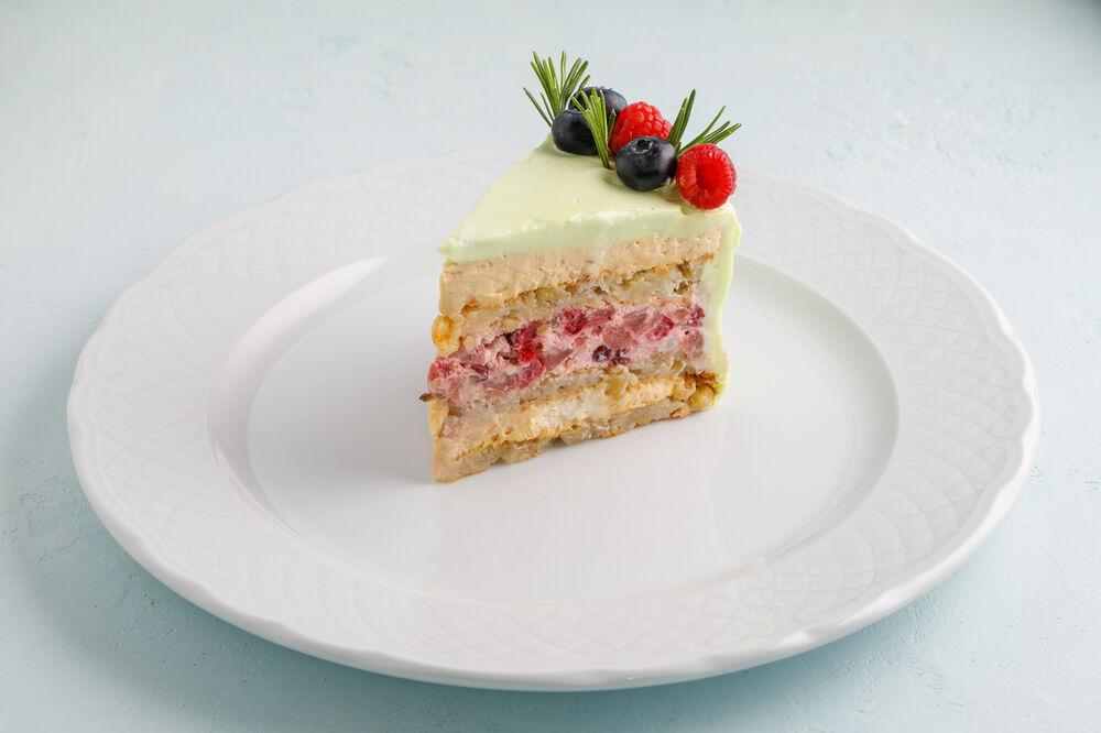 Gluten-free apple-caramel cake